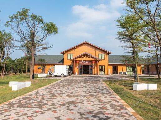佛山美的鹭湖房车度假酒店(原森林度假酒店)