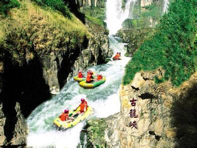 B线:清远古龙峡漂流、万丈崖瀑布群、江滨公园、北江游船纯玩一天