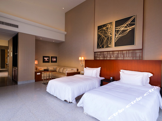 爱必侬泉林酒店